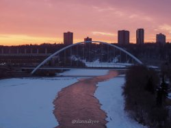 yeg, edmonton, lookbook, april, walterdale bridge, sunrise