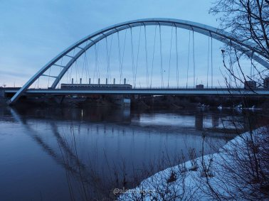 yeg, edmonton, lookbook, april, spring, north saskatchewan river, river valley, walterdale bridge